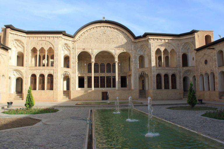 Maison-des-Tabatabei-Kashan-768x512