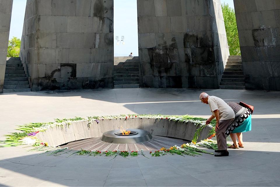 memorial genocide