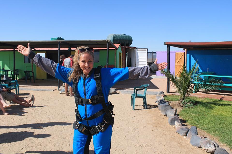 thumbnail_Naminie skydiving